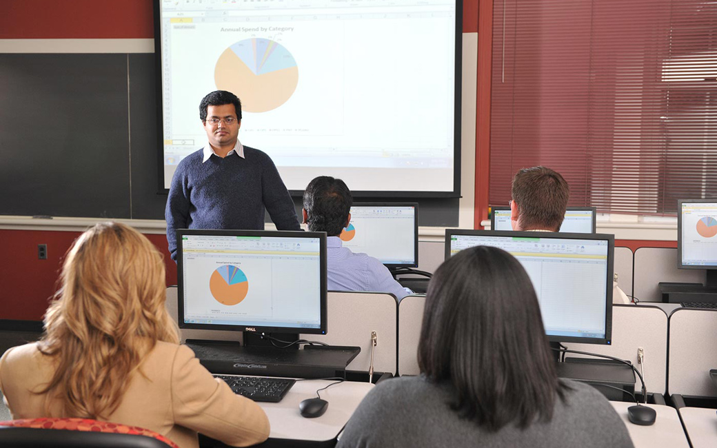 professor teaches a course in the Supply Chain Innovation Lab at Towson University College of Business and Economics