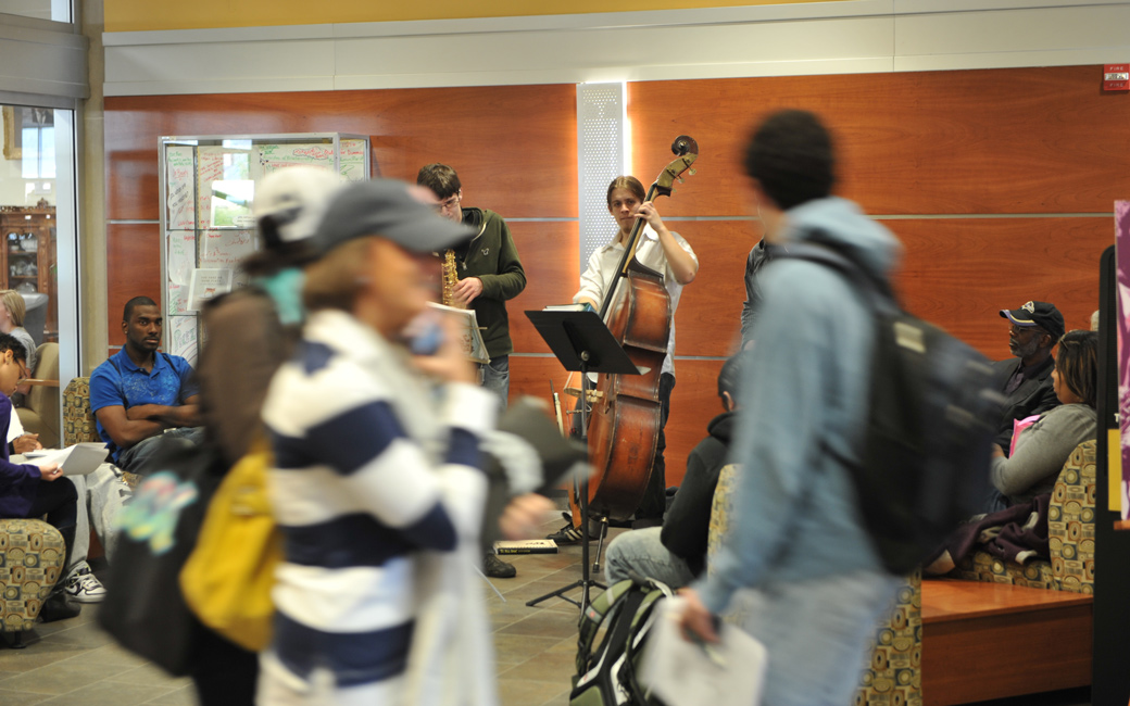 jazz performance in library