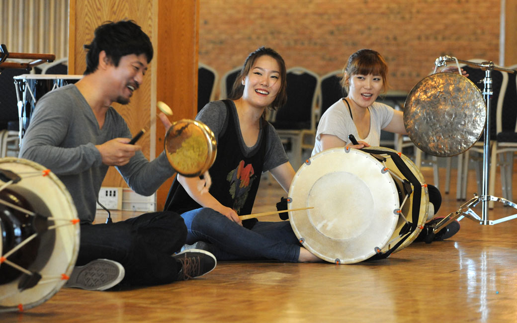A demonstration and workshop with Korean percussion ensemble Sonagi Project, Oct. 2012.