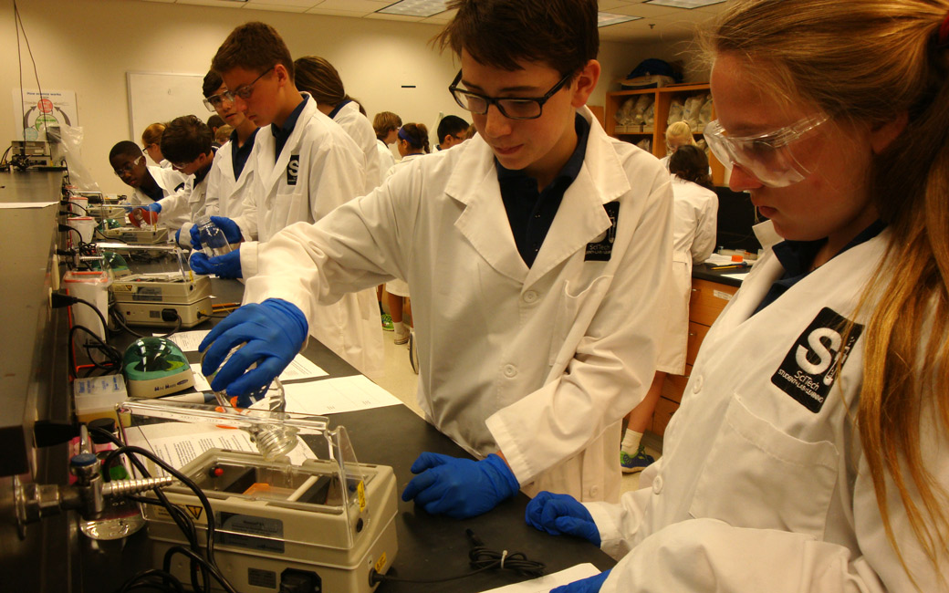 TU students in lab