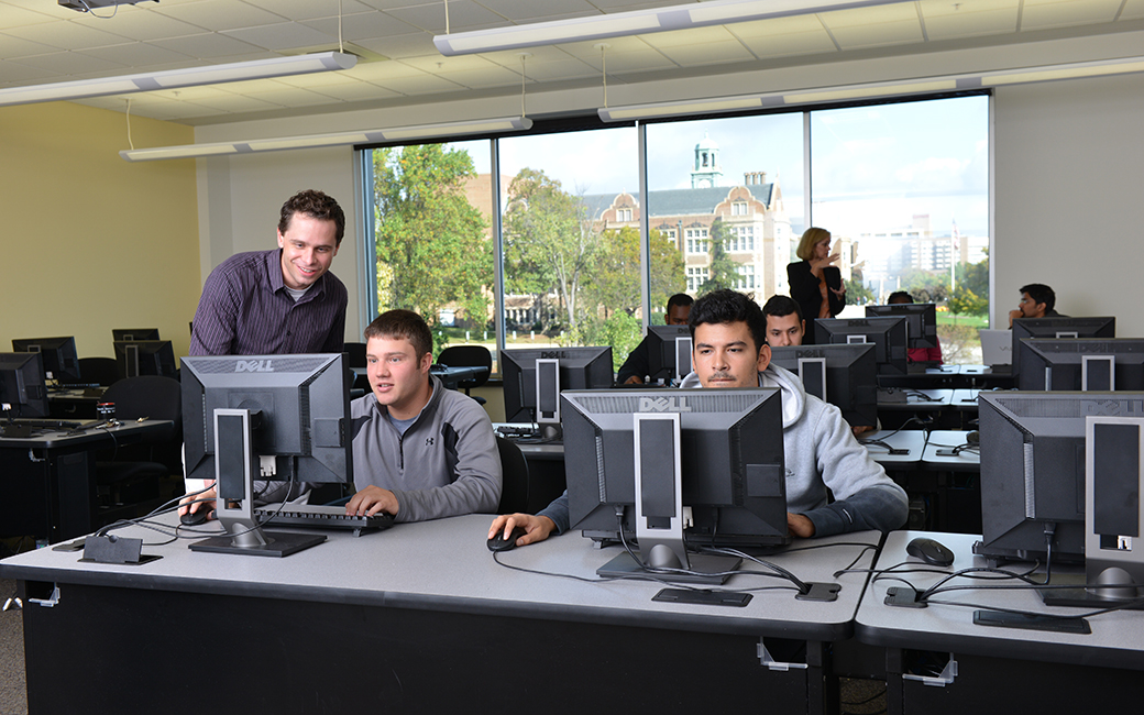 TU students in computer class