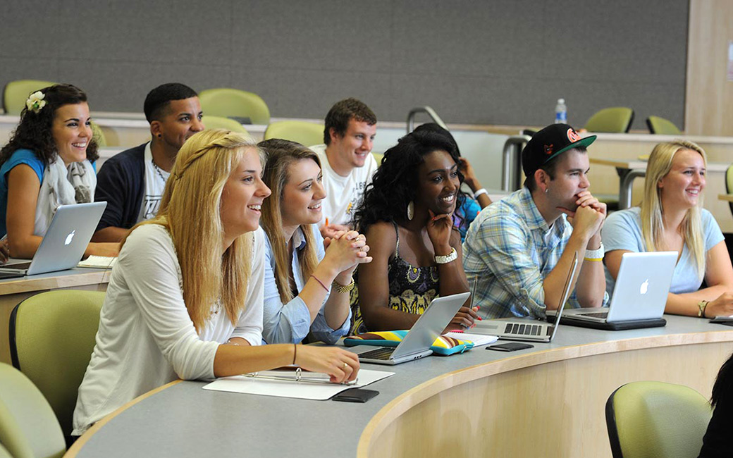graduate college admissions essay View admission requirements for graduate online at champlain college online our comprehensive admissions process is designed to take into essay within the.