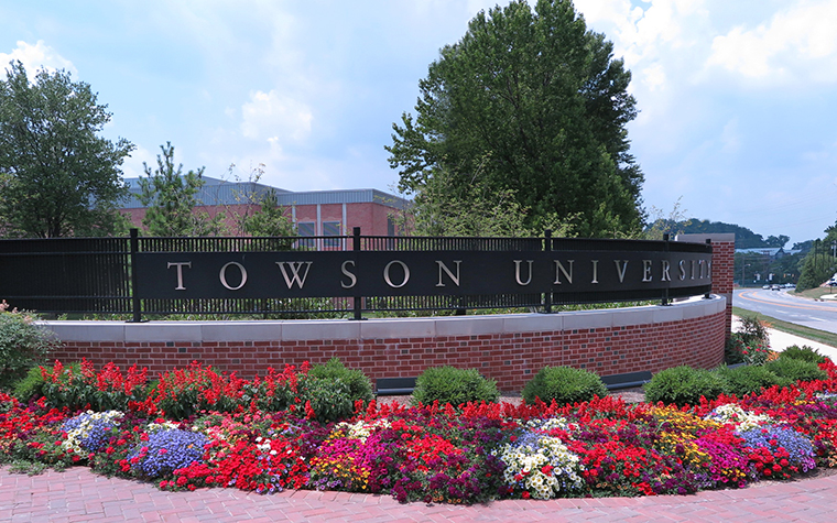 main entrance to towson univerfsity campus