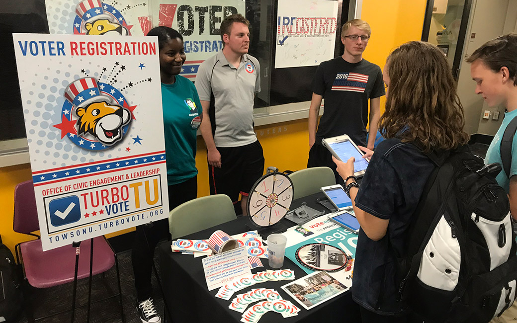 students at the University Union registering to vote
